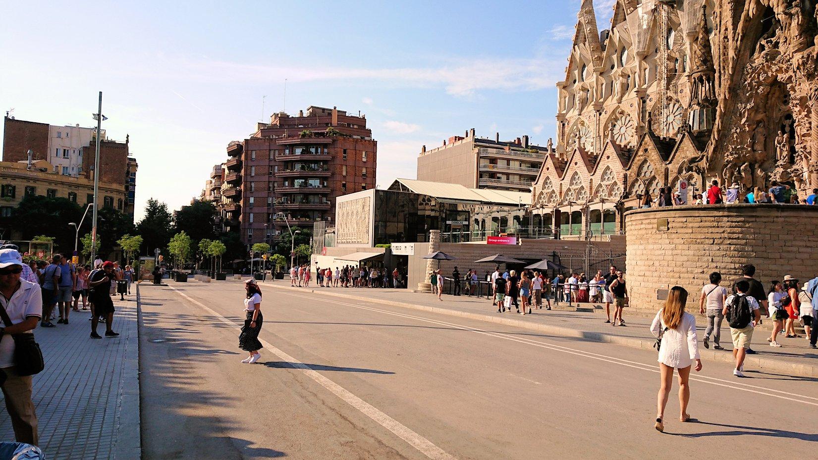 スペイン旅行 バルセロナ サグラダファミリア 日本旅行