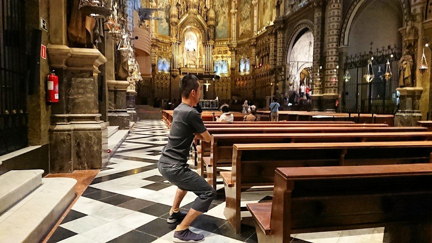 スペイン旅行 ツアー 観光 日本旅行 モンセラット 岩 黒い 聖母像 マリア ブログ 口コミ