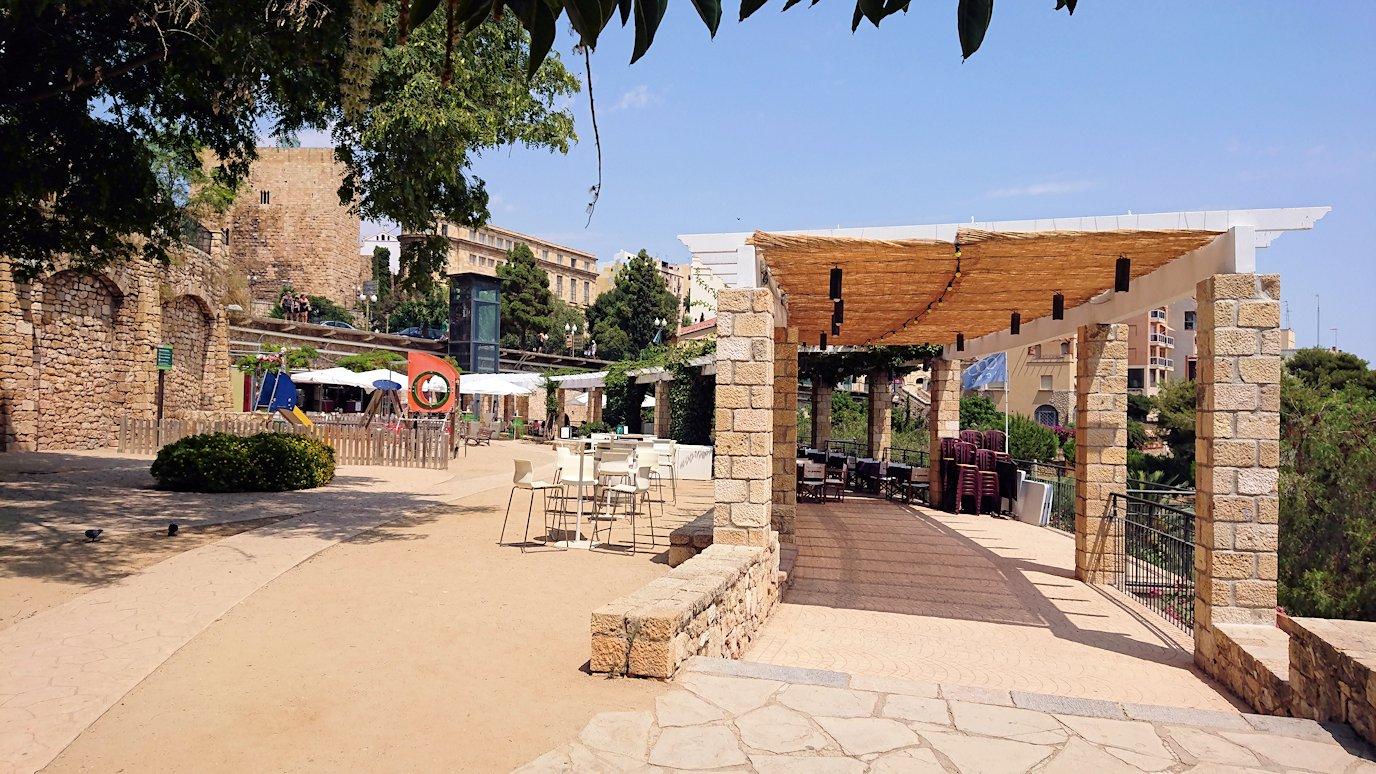 スペイン旅行 ツアー 観光 日本旅行 タラゴナ カテドラル 広場 昼食 海 レストラン 美女 ブログ 口コミ