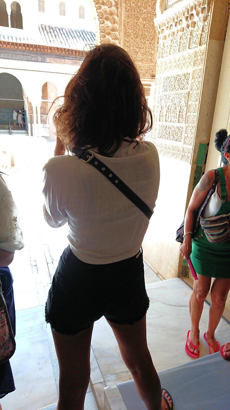 スペイン旅行 ツアー 観光 日本旅行 グラナダ アルハンブラ宮殿 緑 絶景 移動 美女 ブログ 口コミ