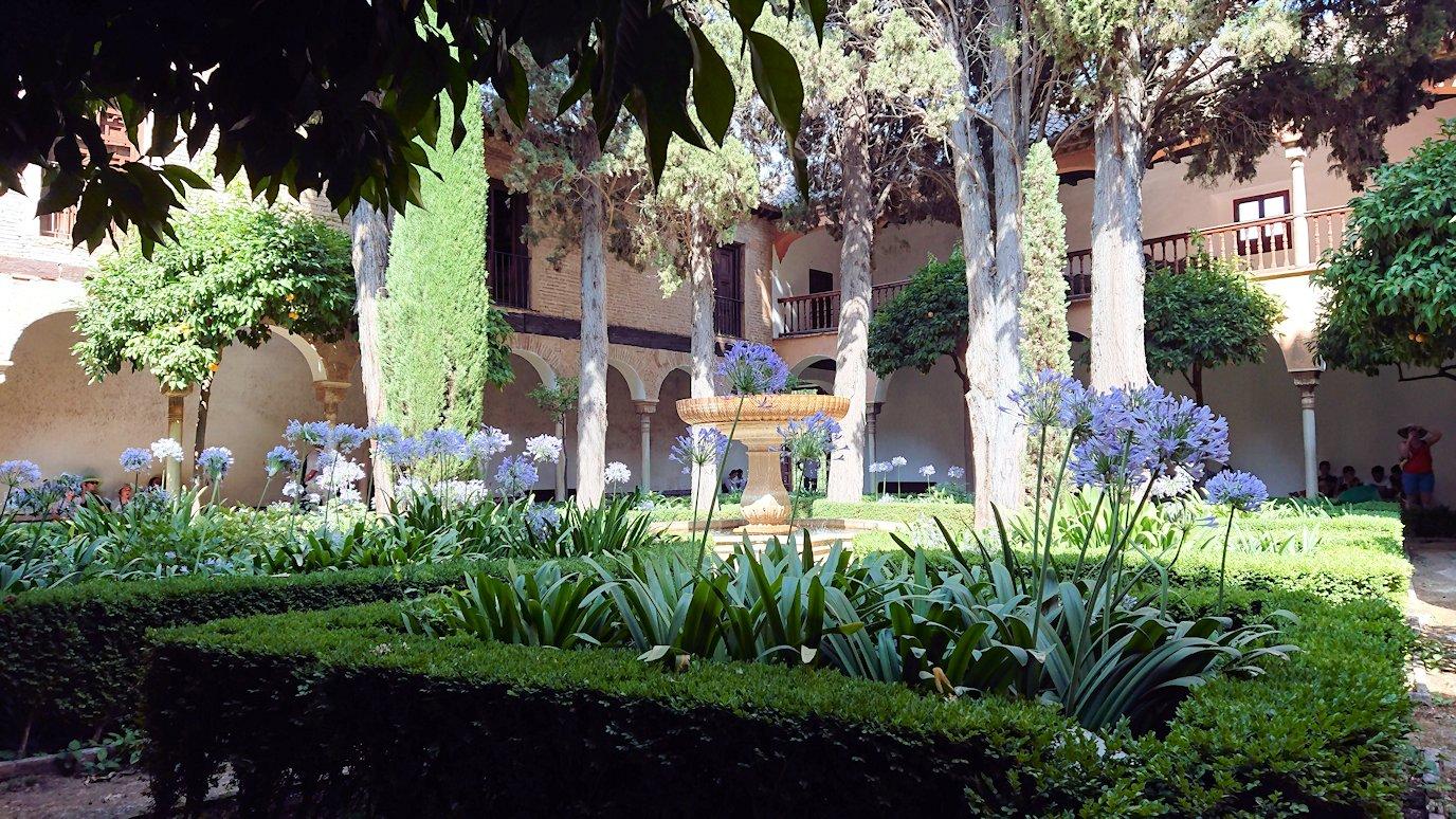 スペイン旅行 ツアー 観光 日本旅行 グラナダ アルハンブラ宮殿 緑 絶景 移動 ブログ 口コミ