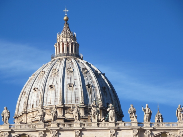 サンピエトロ大聖堂のクーポラ外観
