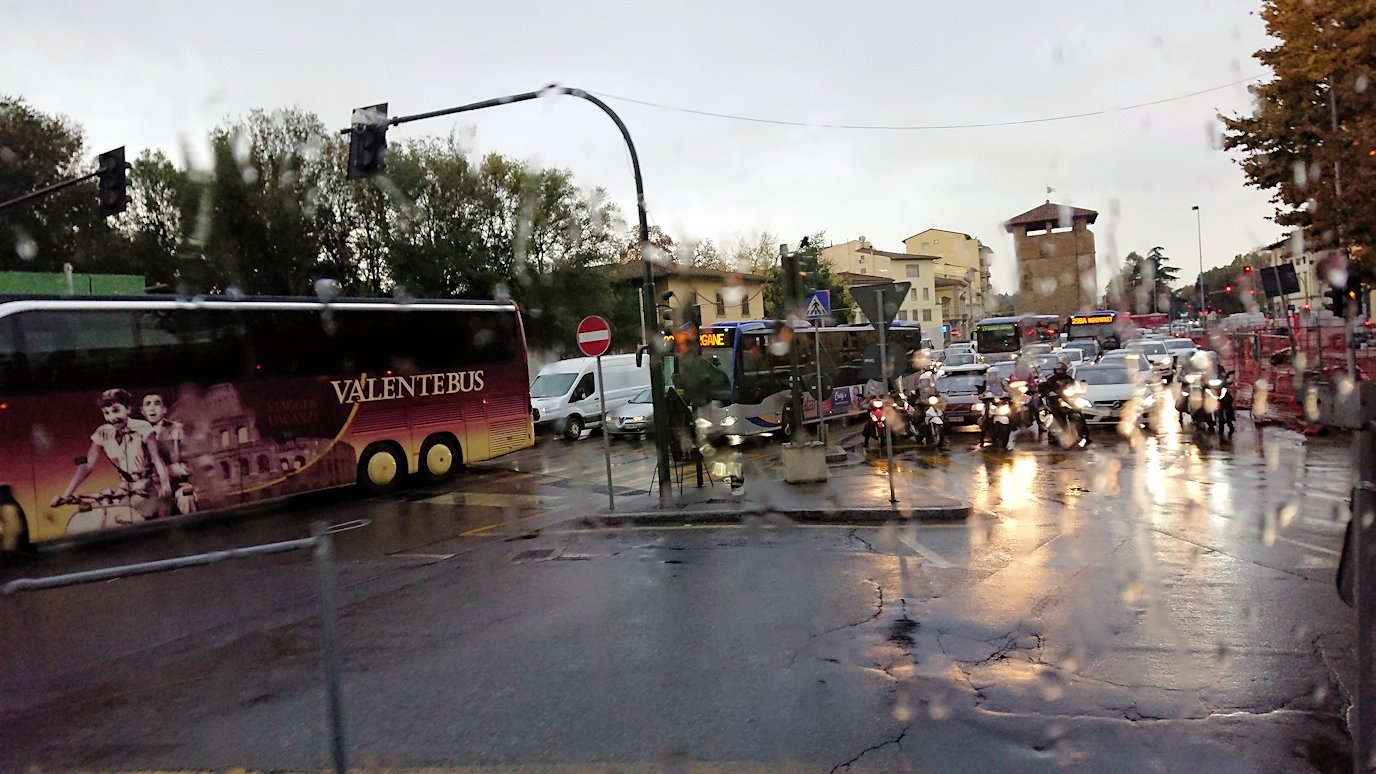 バスでフィレンツェ市内を移動2