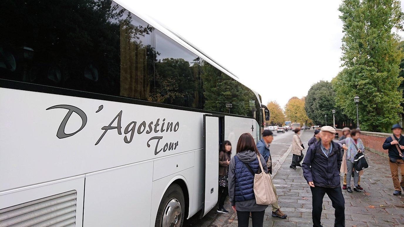 フィレンツェ市内にバス移動