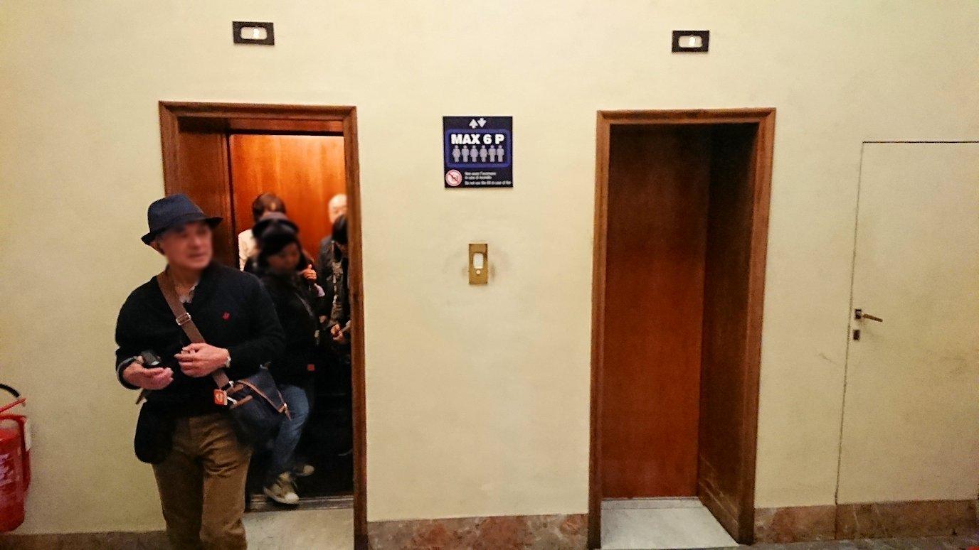 ウフィツィ美術館の年代物のエレベーター