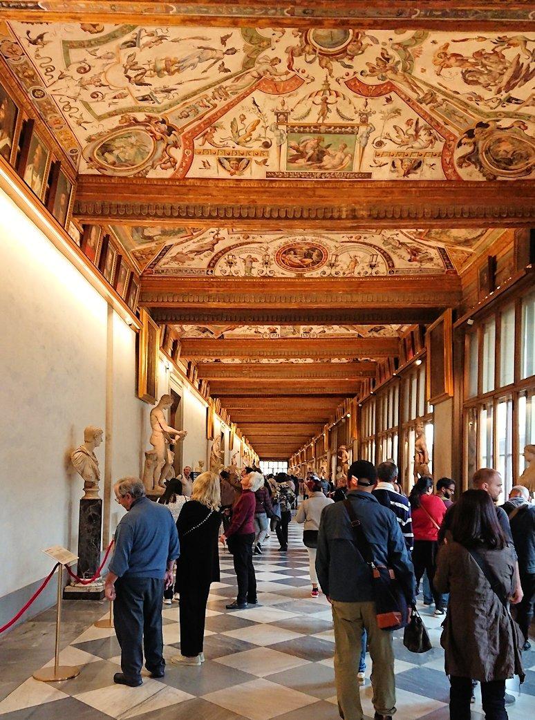 ウフィツィ美術館の回廊