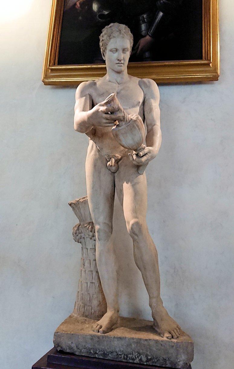ウフィツィ美術館の像