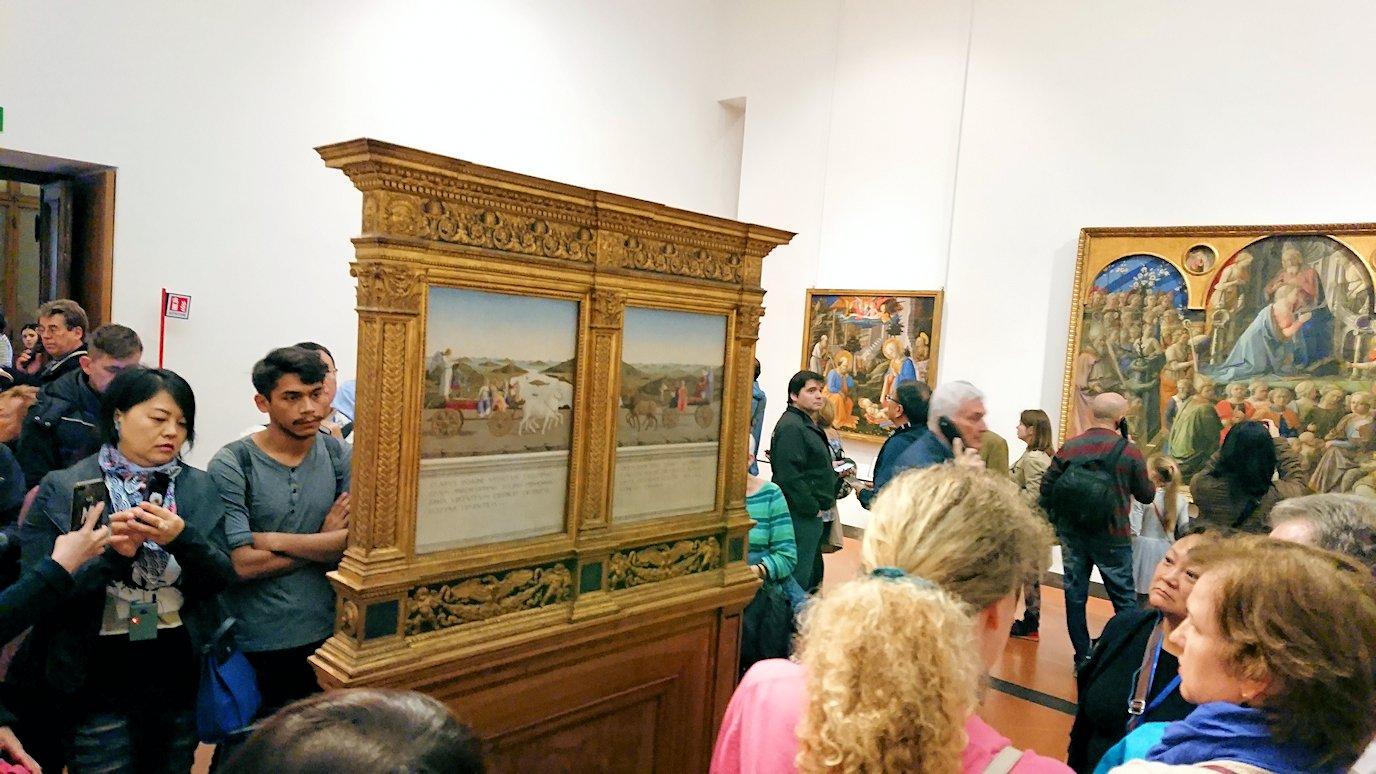 ウフィツィ美術館の有名な肖像画の裏側