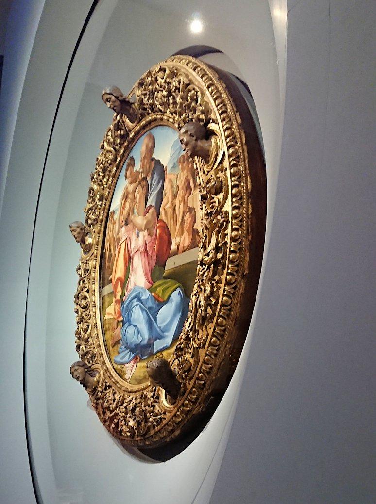 ウフィツィ美術館でミケランジェロの傑作と3