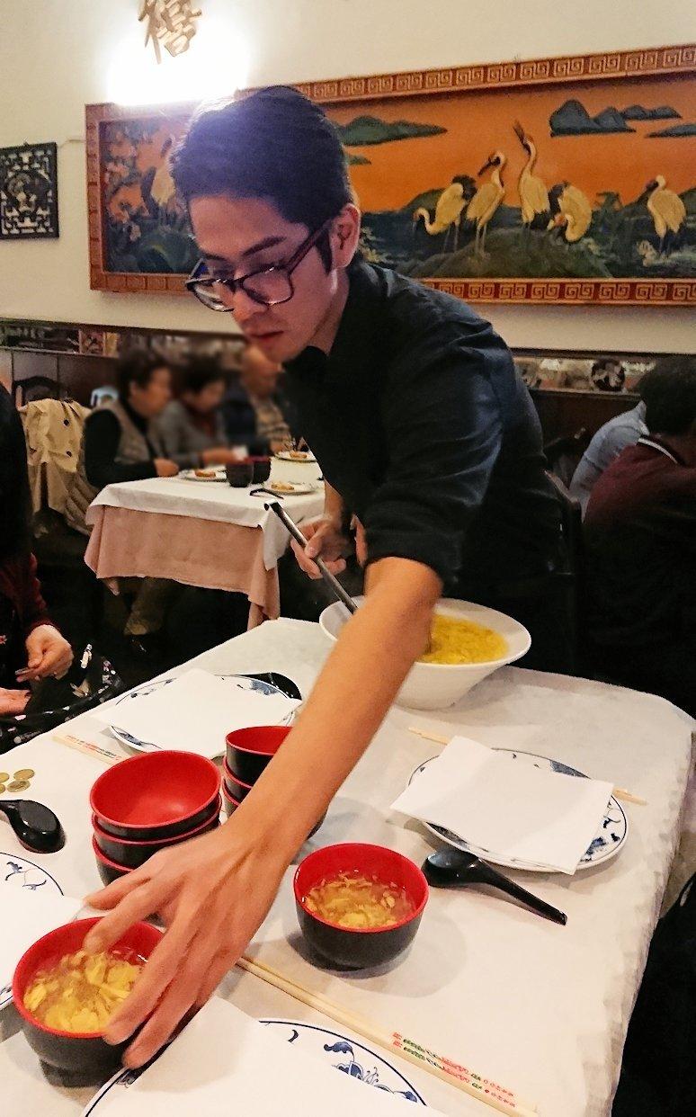 フィレンツェ市内の中華レストランで出てきたスープ2
