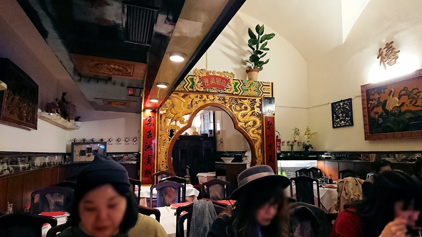 フィレンツェ市内の中華レストランの内部2
