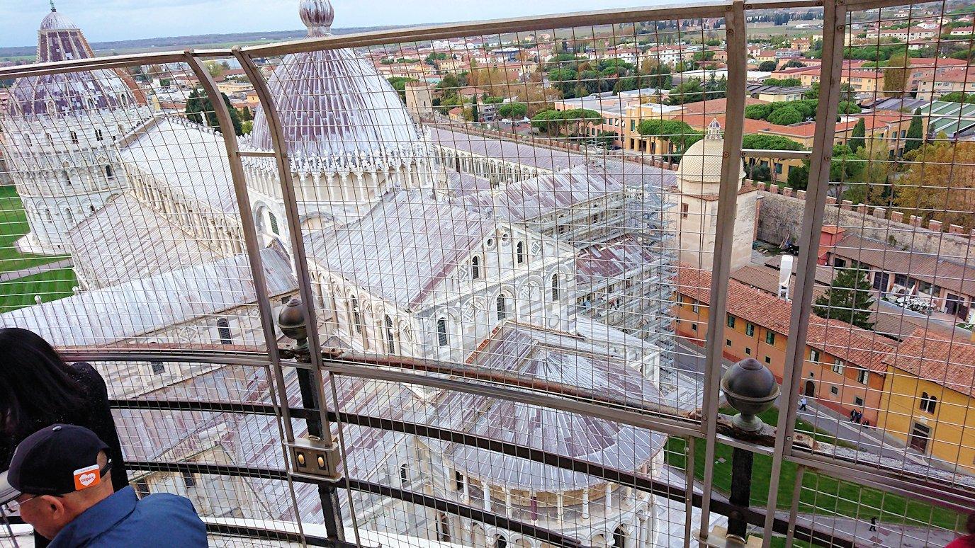 ピサの斜塔の頂上からの景色