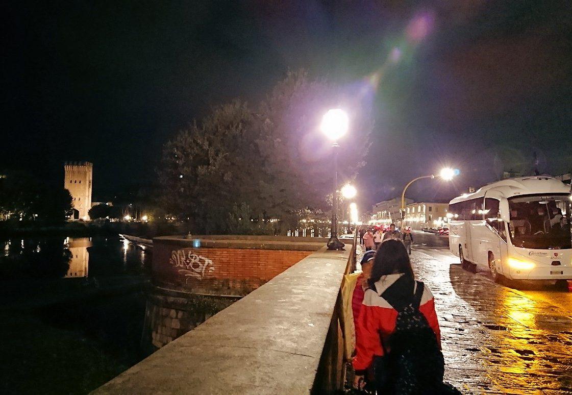 フィレンツェの夜のアルノ川2