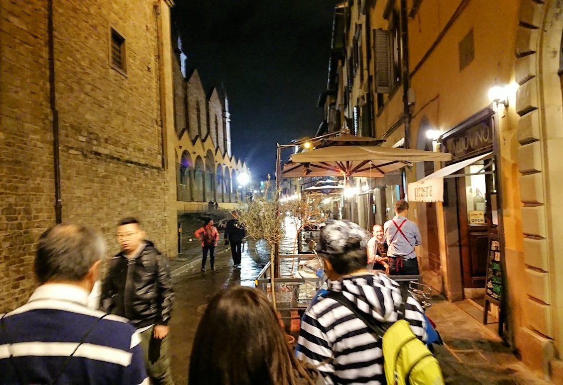 フィレンツェの夜の街並みを歩く3