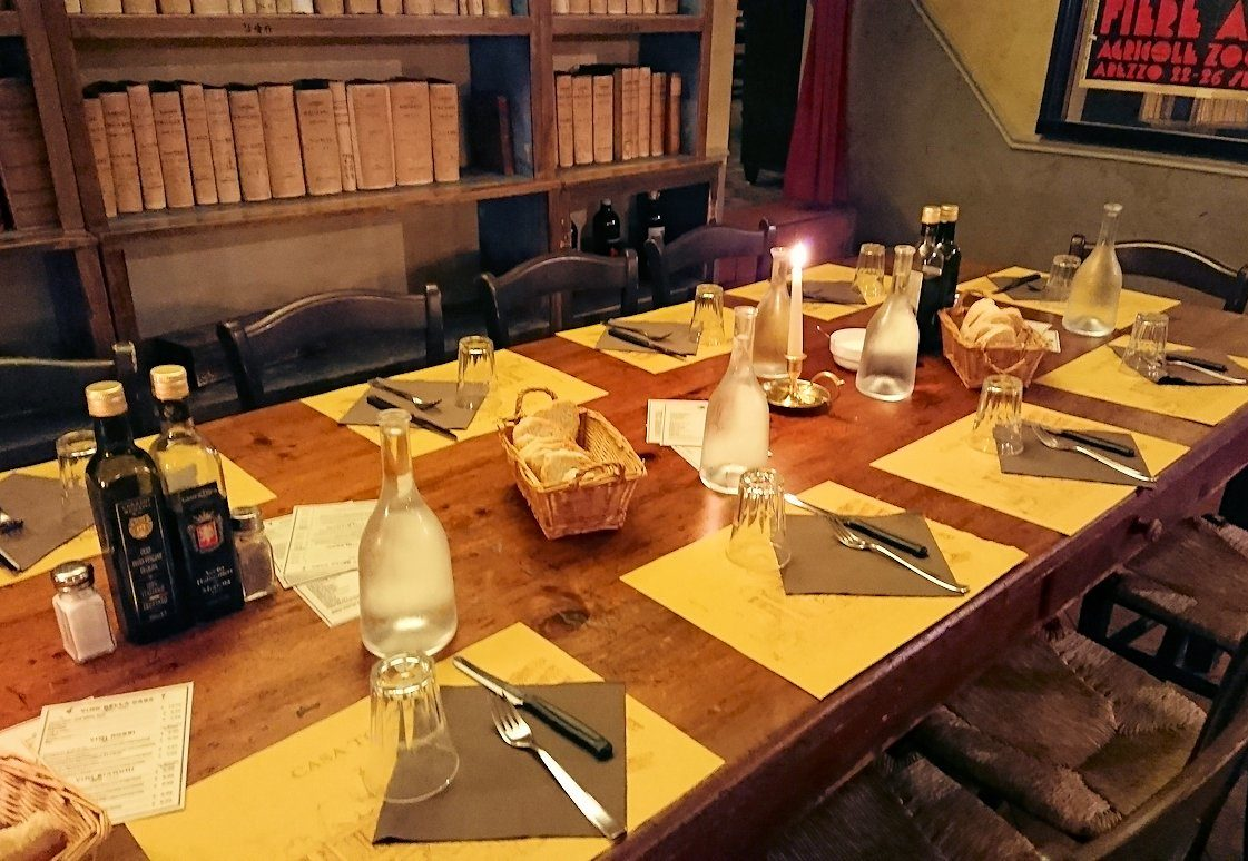 フィレンツェのレストランの内装