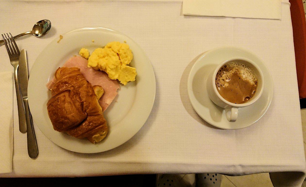 フィレンツェのホテルの朝食バイキングの内容