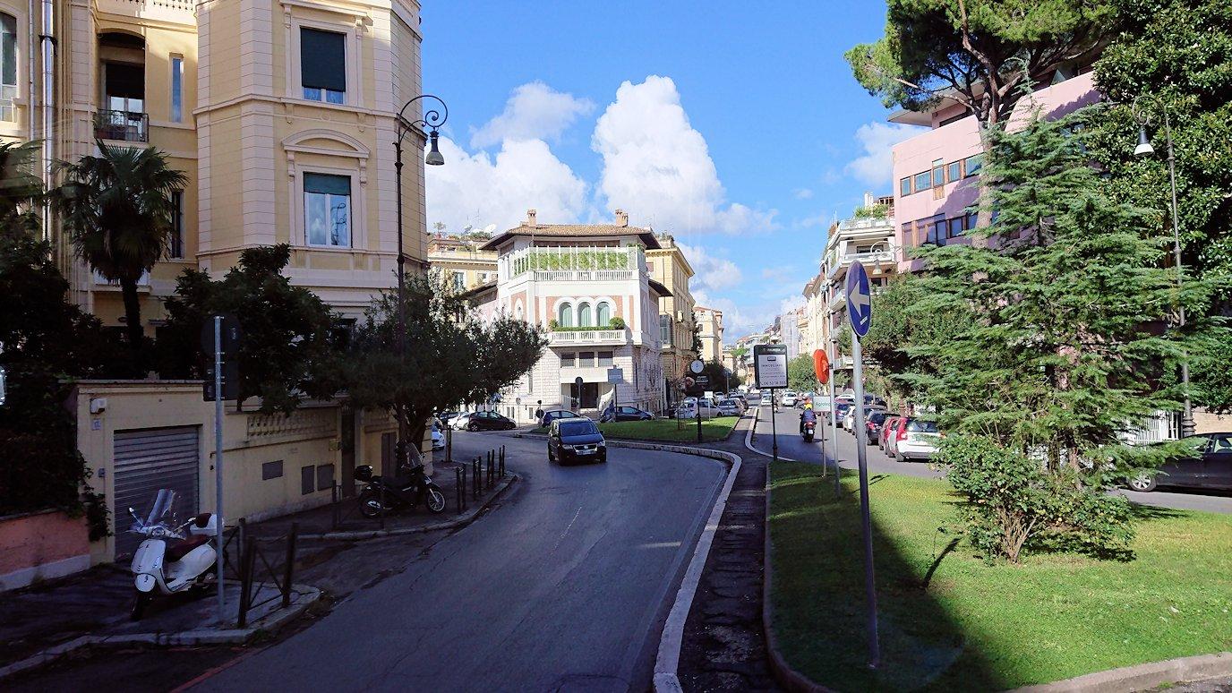 ローマ市内をバスから見た風景2