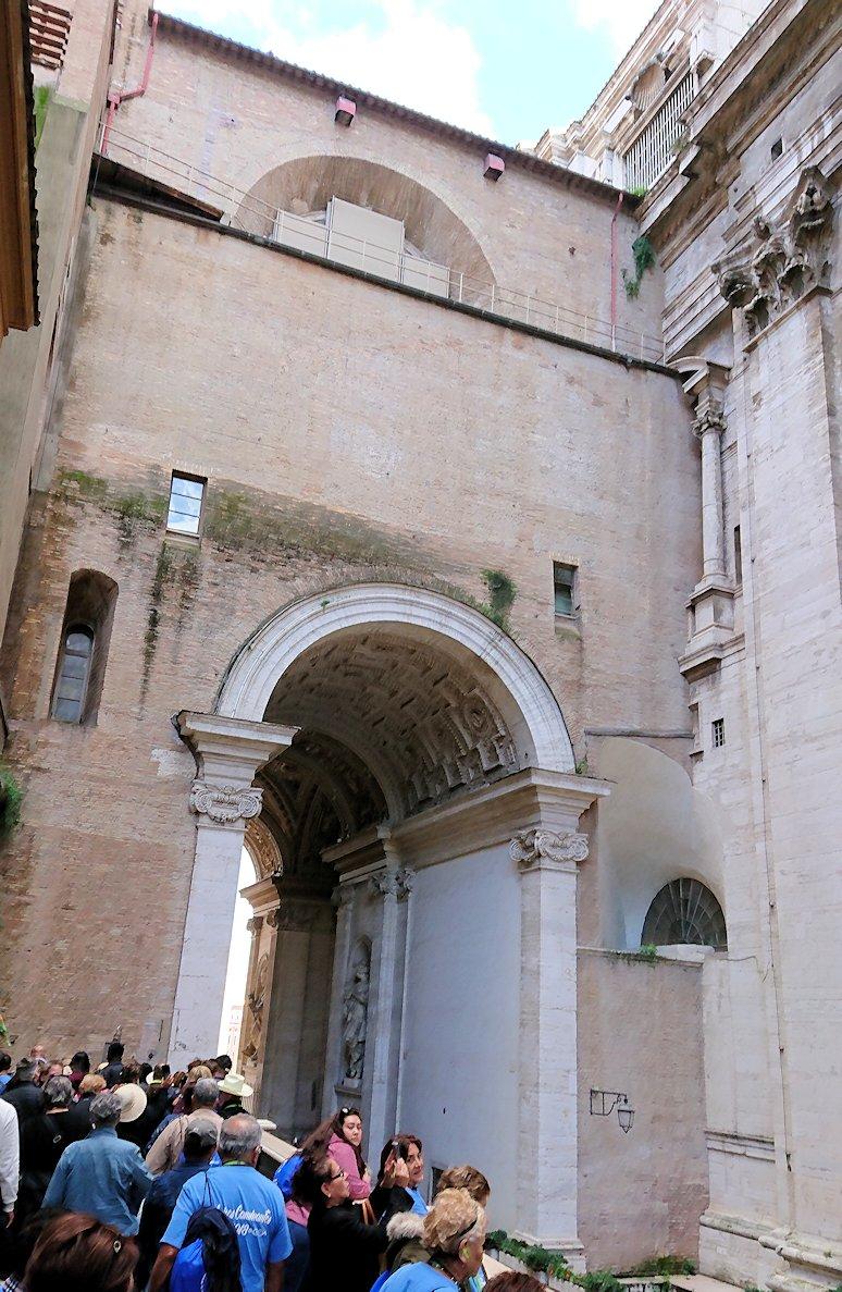 バチカン美術館からシスティーナ礼拝堂の見学終了