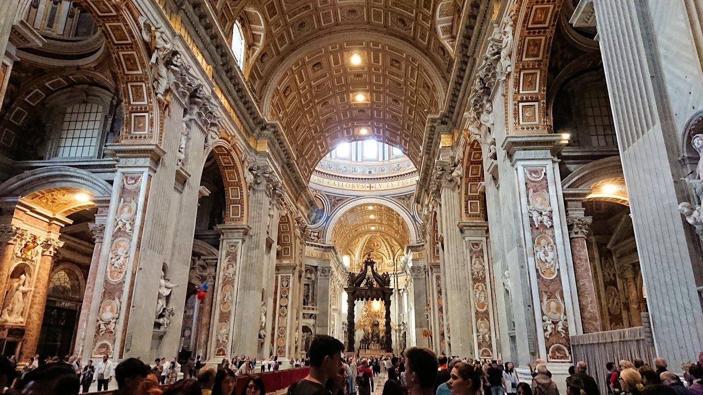 サンピエトロ大聖堂の構内