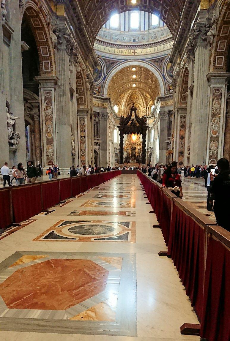 サンピエトロ大聖堂の構内2