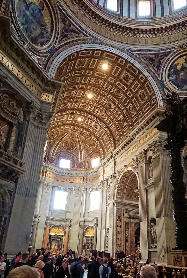 サンピエトロ大聖堂の構内のクーポラ
