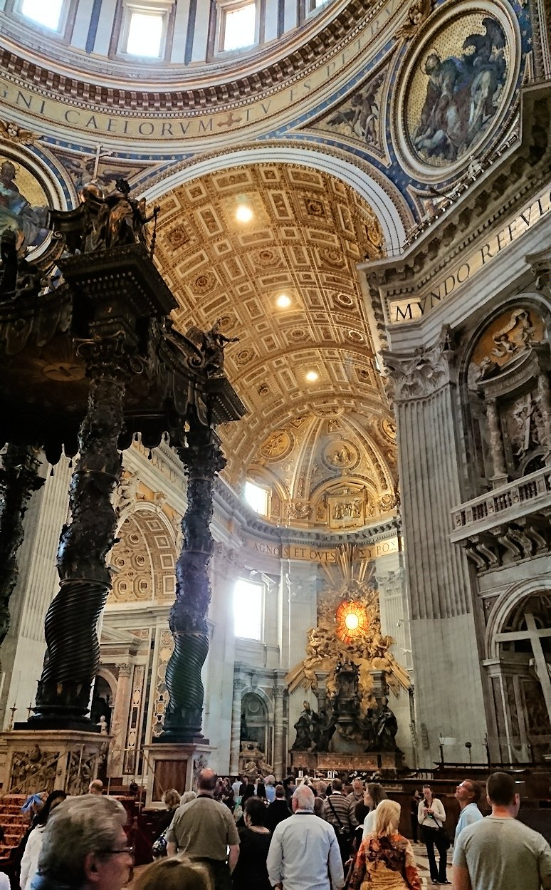 サンピエトロ大聖堂の構内のクーポラ2