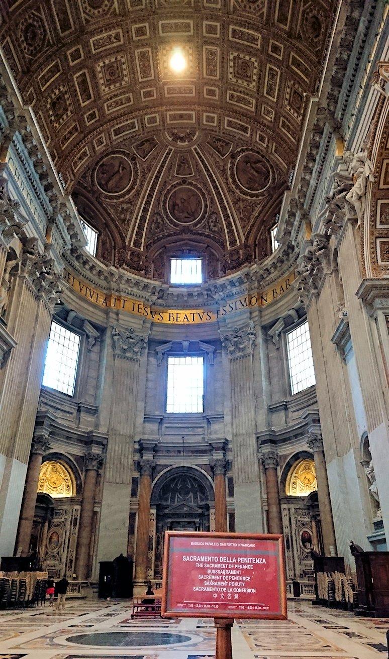 サンピエトロ大聖堂の構内の上側