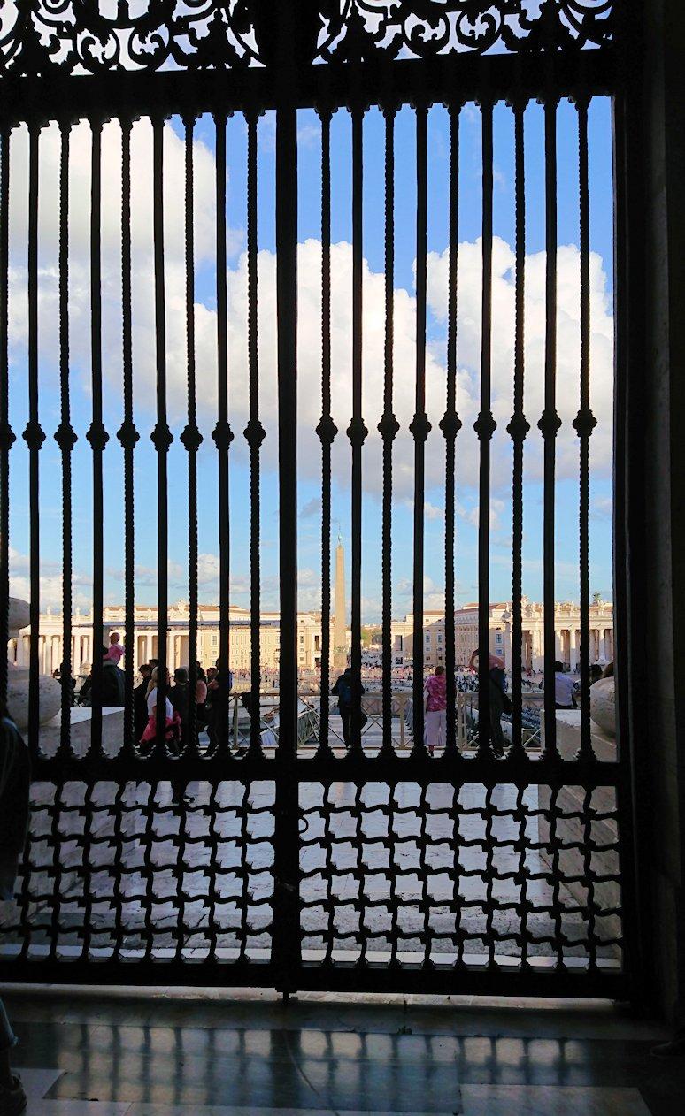 サンピエトロ大聖堂の出口
