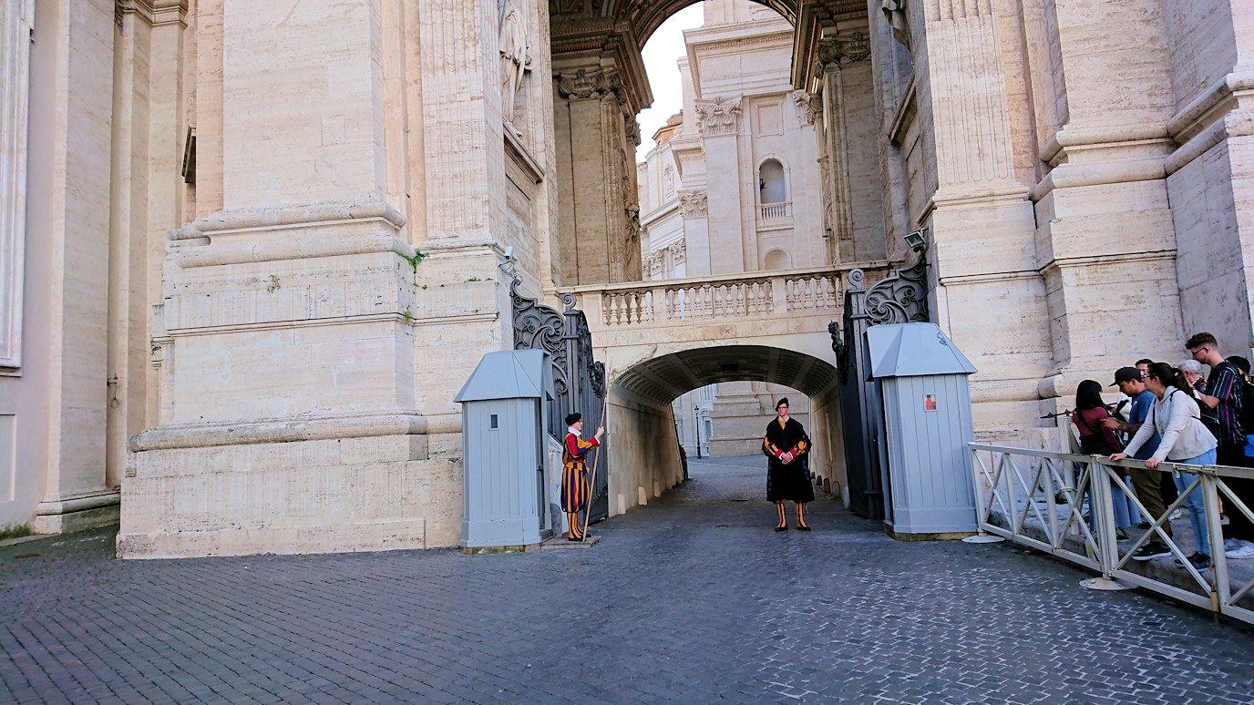 サンピエトロ大聖堂のスイス傭兵