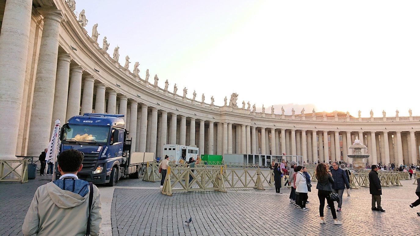 サンピエトロ広場の風景2