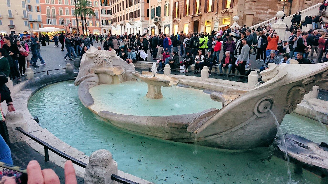 スペイン広場にある噴水
