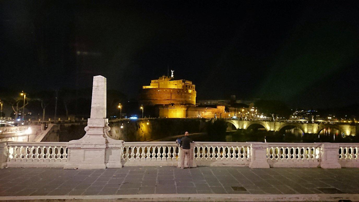 夜のサンタンジェロ城