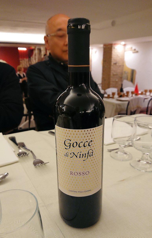 ローマ市内の夕食レストランのハウスワイン