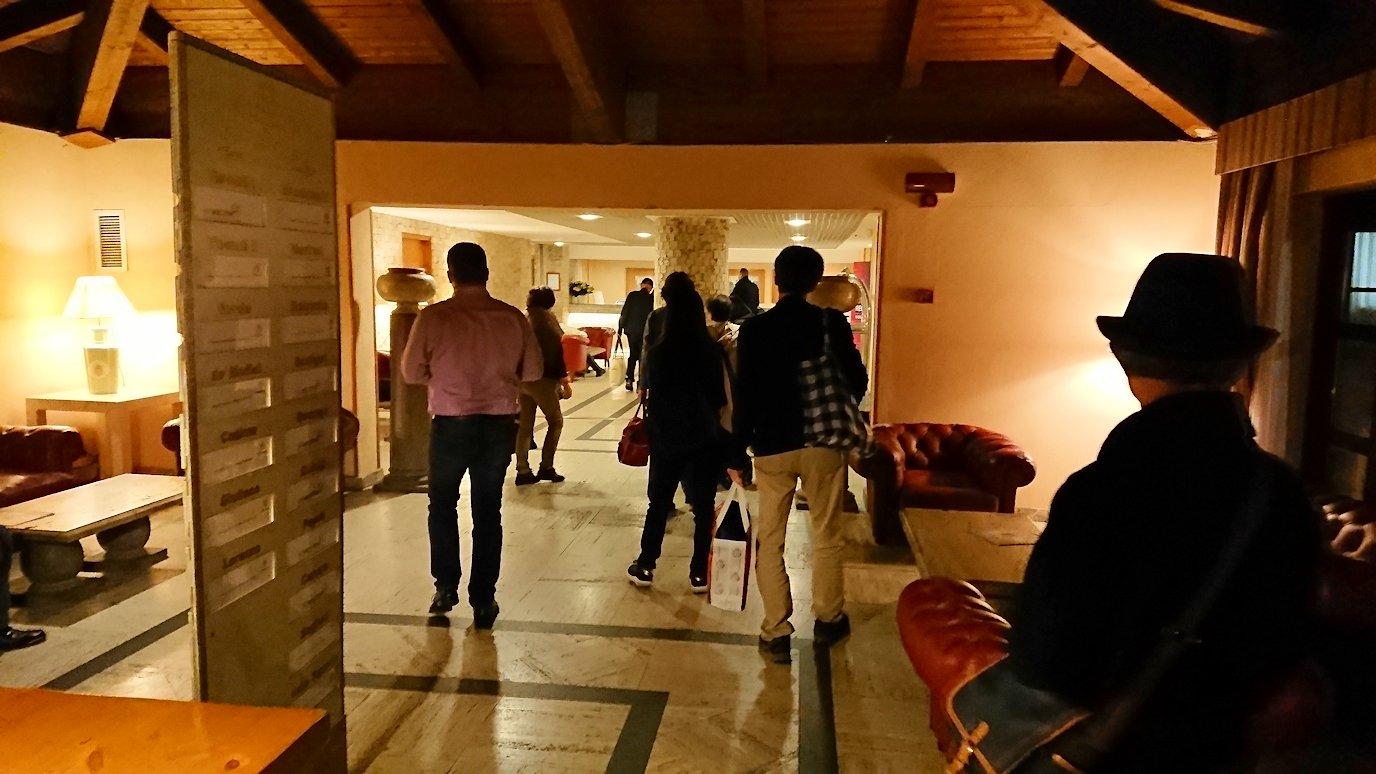 ローマで泊まるホテルのロビー2
