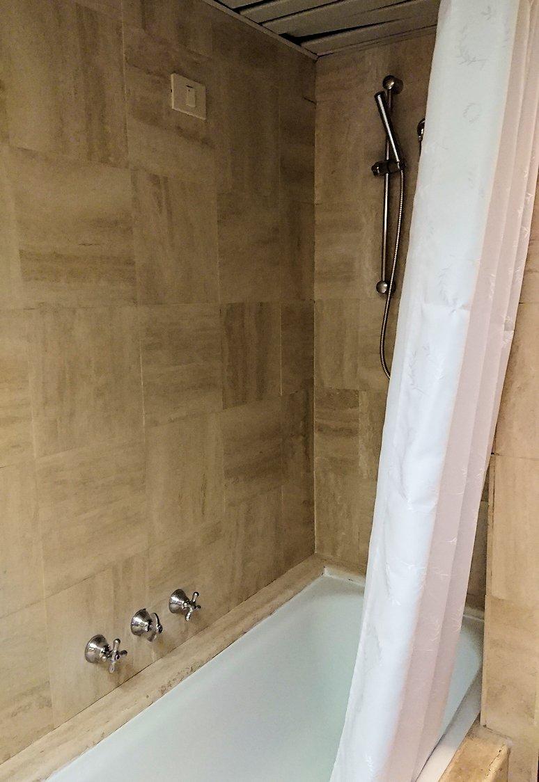 ローマシェラトンホテルの部屋のお風呂