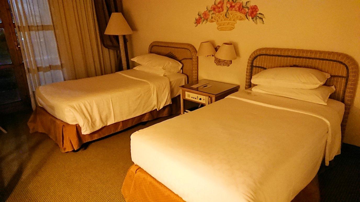 ローマシェラトンホテルの部屋のベッド2