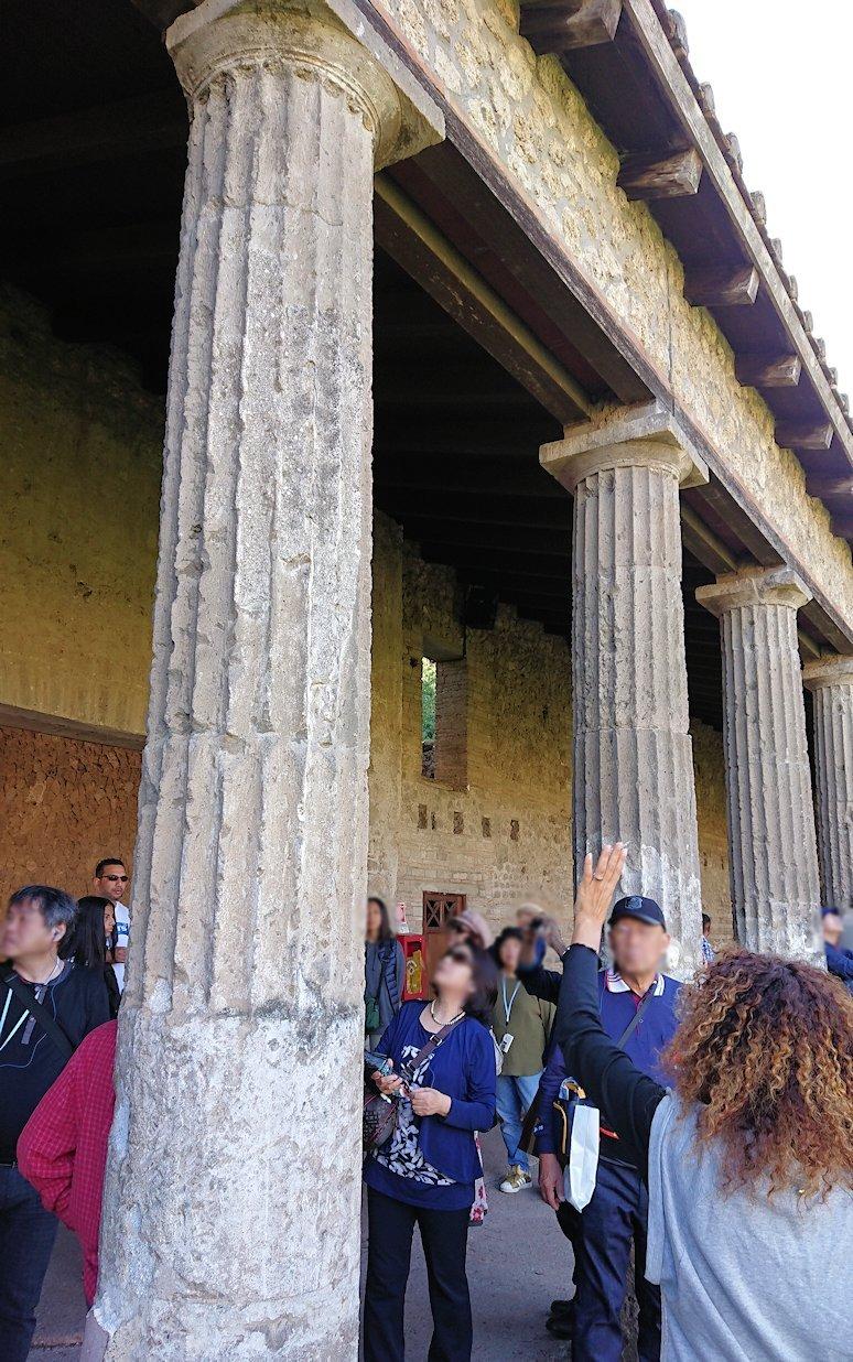 ポンペイ遺跡にあった柱の様子2