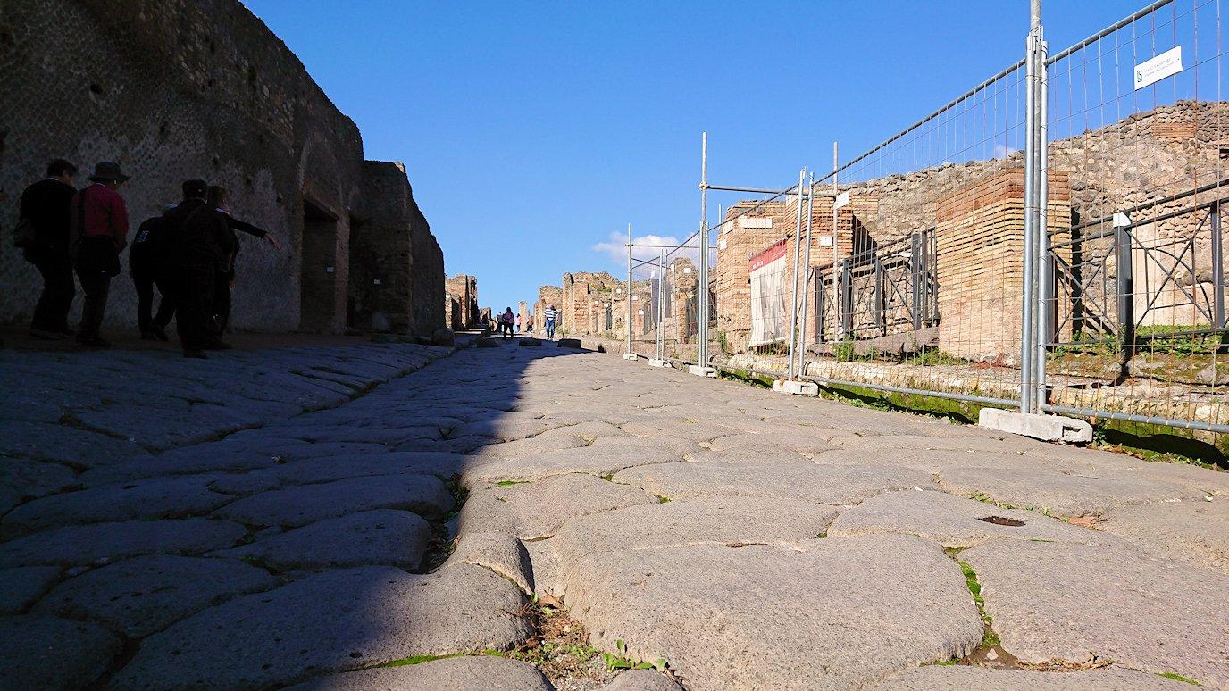 ポンペイ遺跡のアッボンダンツァ通り3