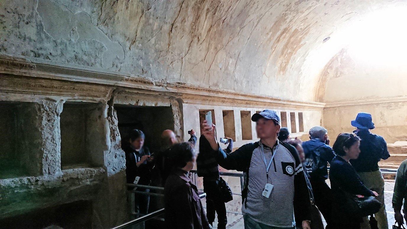 ポンペイ遺跡の大浴場に入ります2