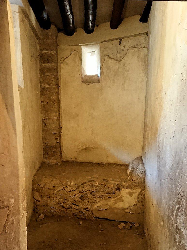 ポンペイ遺跡の娼婦の館の内部見学