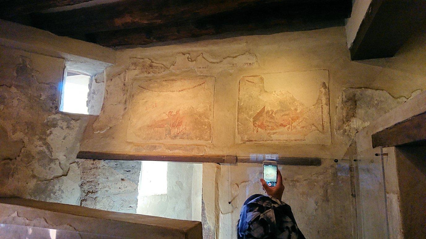 ポンペイ遺跡の娼婦の館の内部見学5