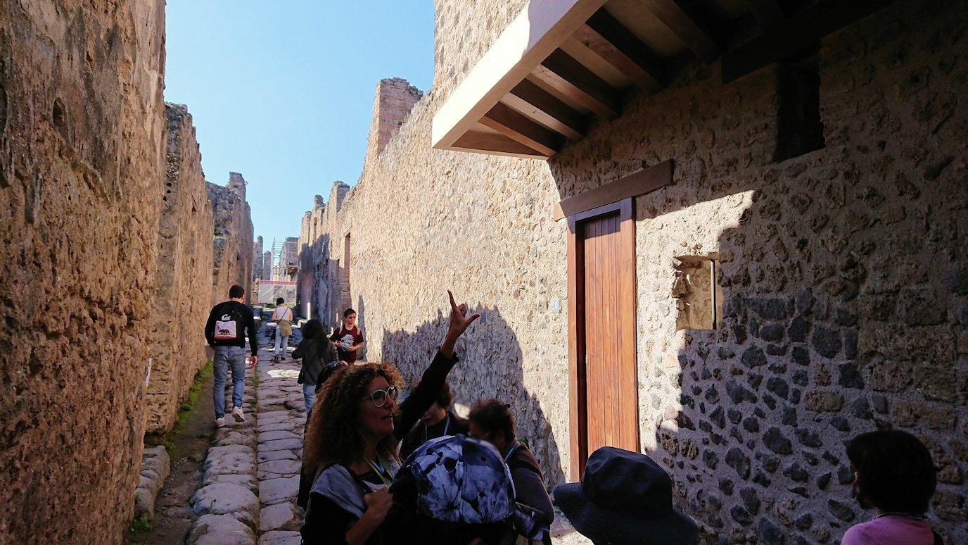 ポンペイ遺跡の娼婦の館の2階の説明