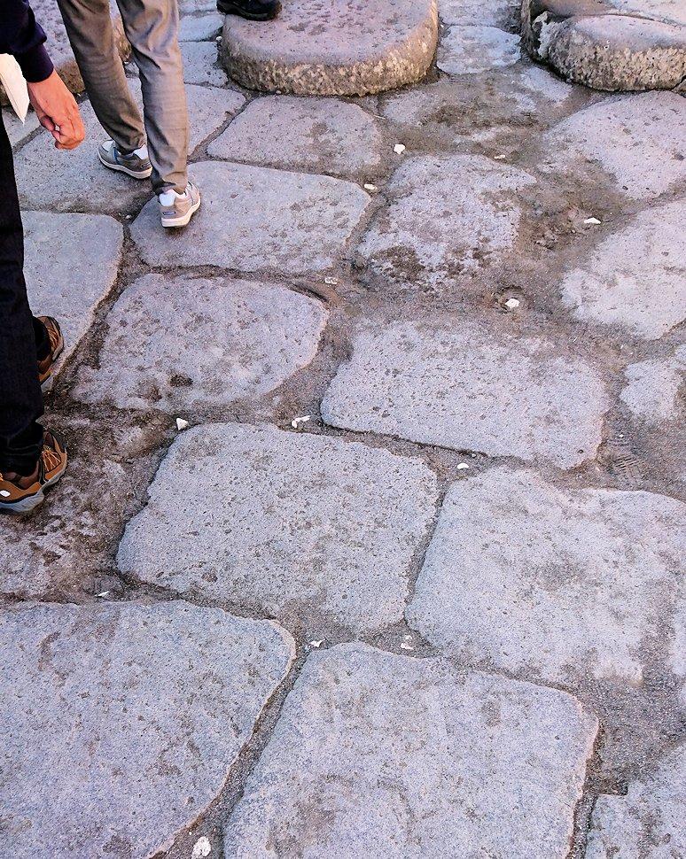 ポンペイ遺跡の石畳