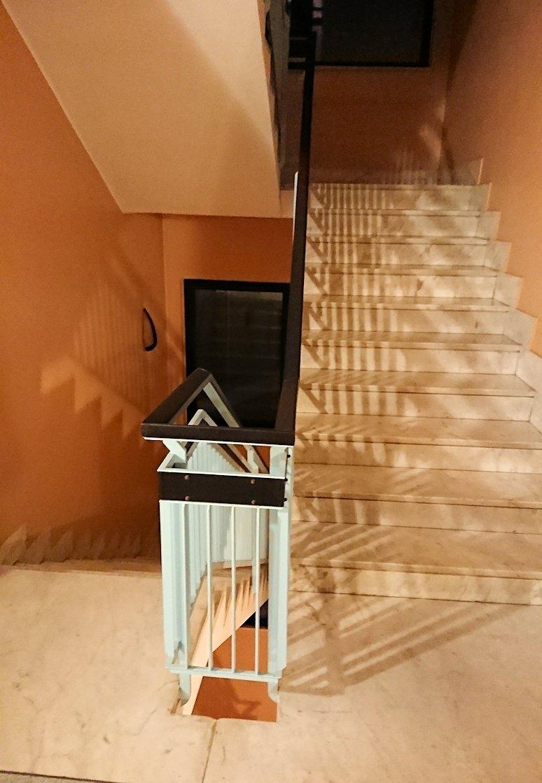 アルベロベッロのホテルの部屋の階段