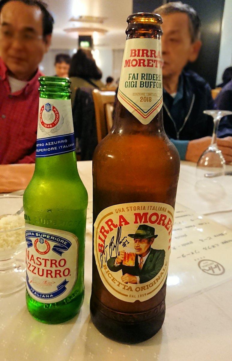 アルベロベッロのホテルの夕食会場でのビール3