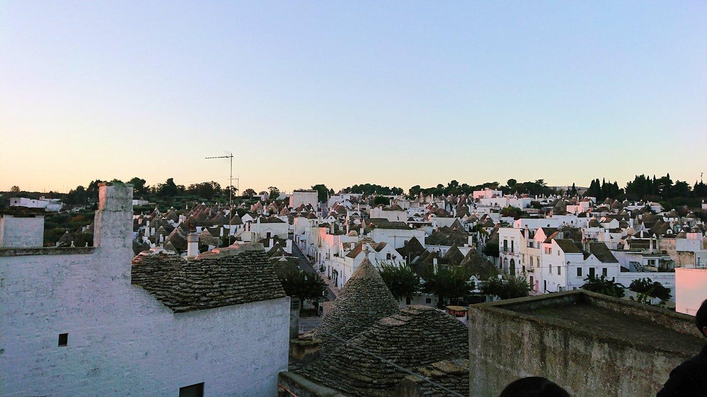 朝のアルベロベッロの眺め2