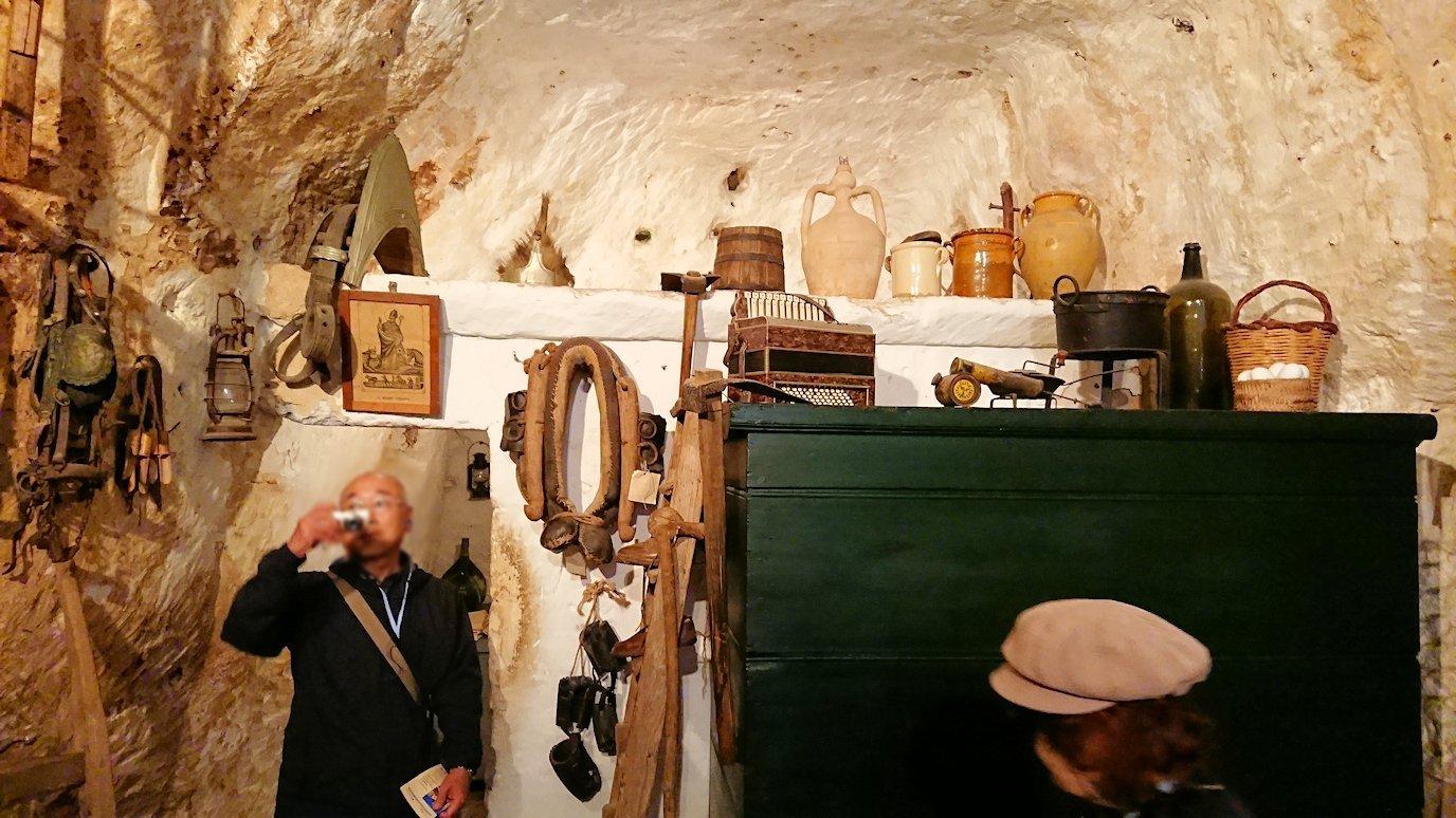 マテーラの洞窟住居の内部を見学2