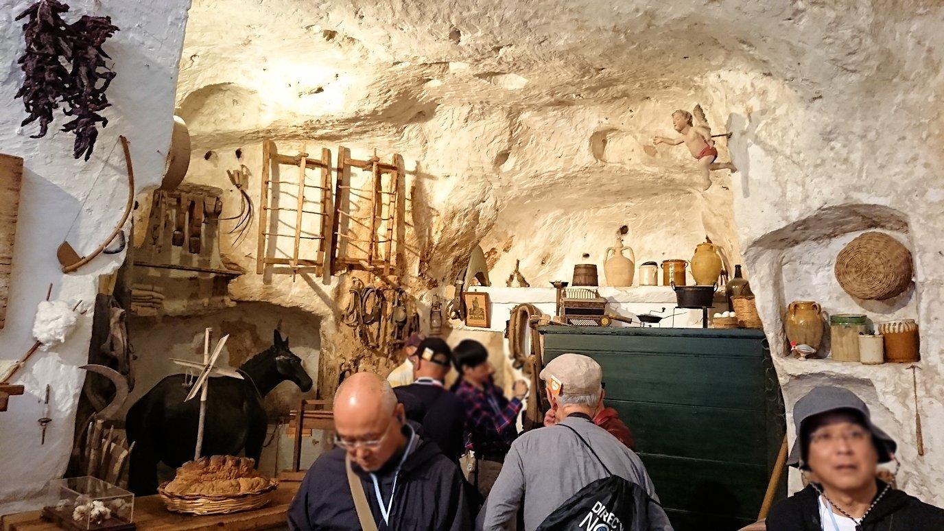 マテーラの洞窟住居の内部を見学4