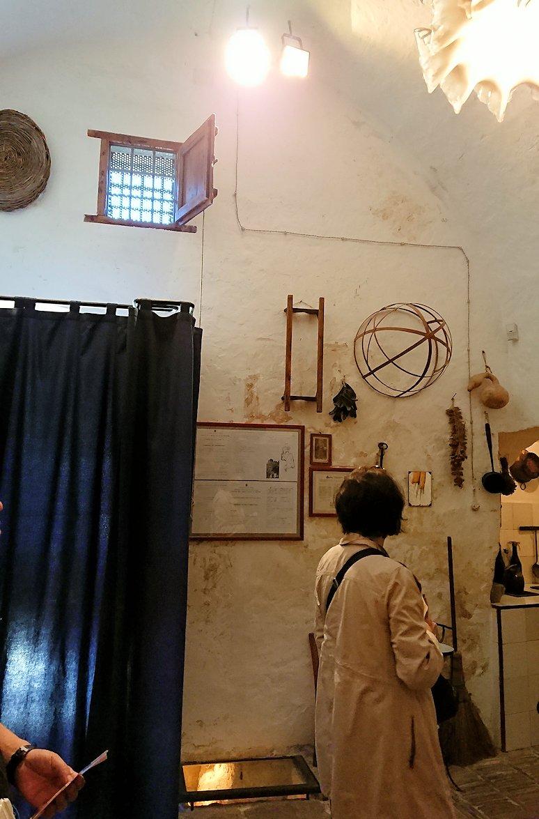 マテーラの洞窟住居の内部を見学5