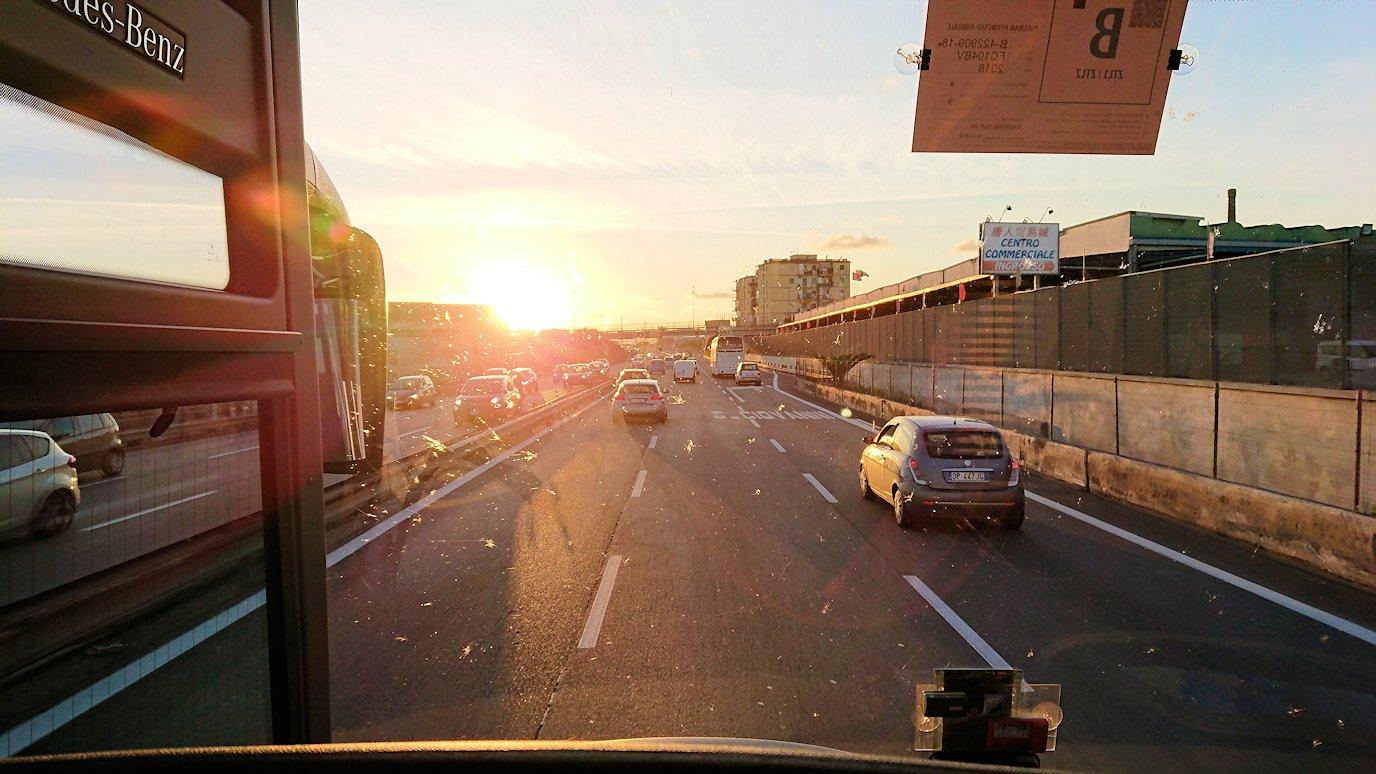 ナポリに向かう途中の道路から見た風景7